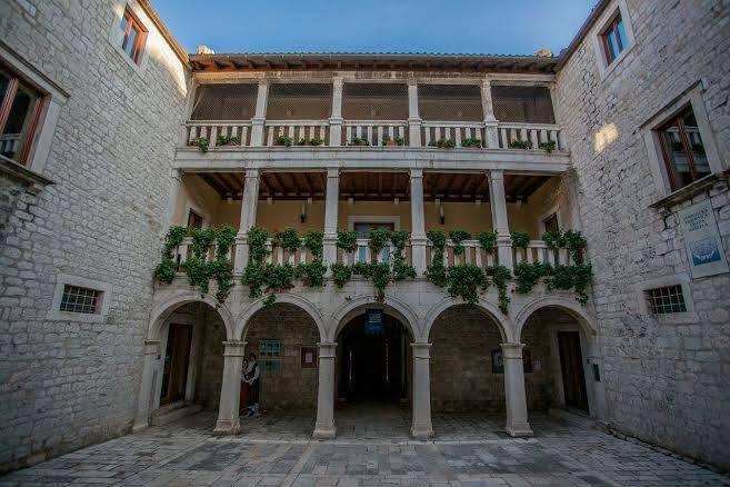 Dvorac_Vitturi_1
